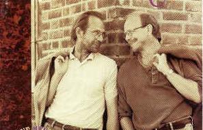 Ole Paus og Jonas Fjeld har jobbet sammen lenge, men først nå som To Rustne Herrer. (Foto: platecover)