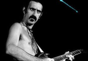 Frank Zappa (Foto: Mark Estabrook, Wikimedia Commons)