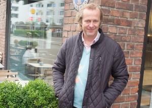 deLillos feirer 30 år og Lars Lillo-Stenberg treffer gamle venner. (Foto: Leif Gjerstad)