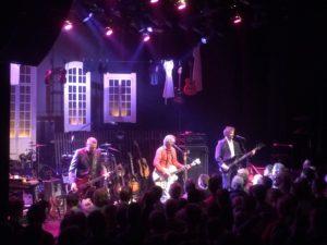 deLillos spilte albumene «Suser avgårde» og «Før var det morsomt med sne» på Riksscenen i Oslo onsdag. (foto: Leif Gjerstad)