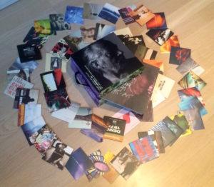 Ulf Lundells CD-boks «Hemåt genom Rift Valley» inneholder 68 CDer med alt han har spilt inn siden 1975. (Foto: Leif Gjerstad)