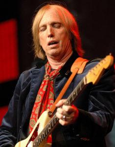 Tom Petty tar pause fra Wilburys og gir ut sin første soloplate. (Foto: Wikimedia Commons)