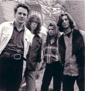 Jayhawks Mark Olson (lengst til venstre) har aldri vært i Norge, men har forfedre herfra. (Foto: American Recordings)