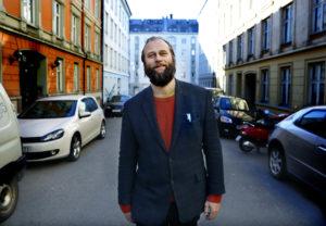 Stein Torleif Bjella synger sårt om gode liv på sin nye plate. (Foto: Kristin Svorte)