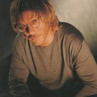 Warren Zevon fulgte rådet til mora og skrev optimistiske «Mr. Bad Example». (Foto: All Music)